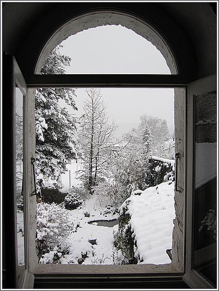 Fen tre ouverte sur l 39 hiver c t jardin le petit for Une fenetre ouverte